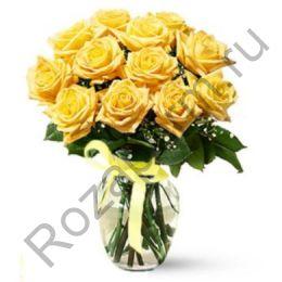 Букет из 11 желтых роз с гипсофилой.