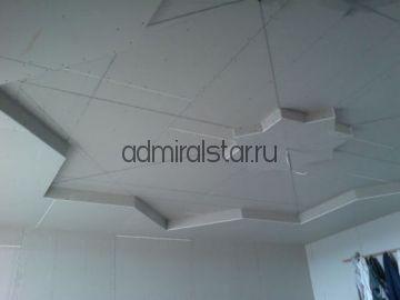 Фигурная  конструкция Звезда из ГКЛ на потолке