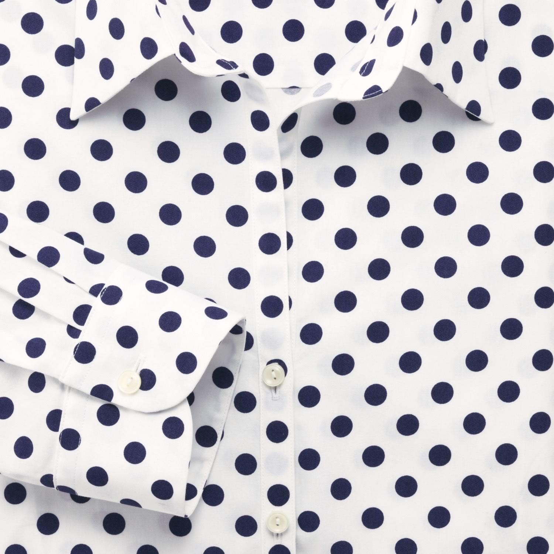 eb9db093513aed2 Женская рубашка белая в темно-синий горошек Charles Tyrwhitt приталенная  Fitted купить Москва