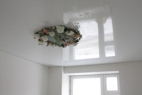 Глянцевый белый натяжной потолок цена за кв.м