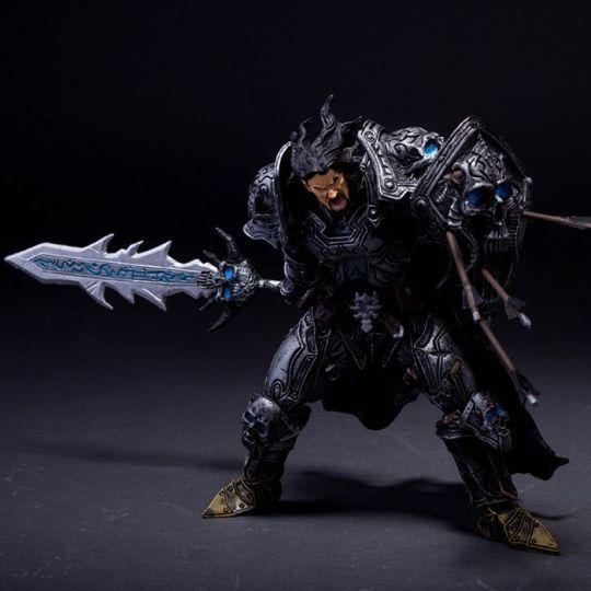 Фигурка героя Human Warrior