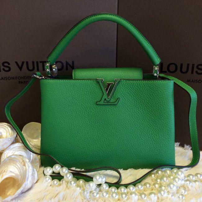 Сумка Louis Vuitton Capucines BB