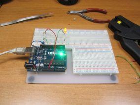 Управление светодиодом одной кнопкой