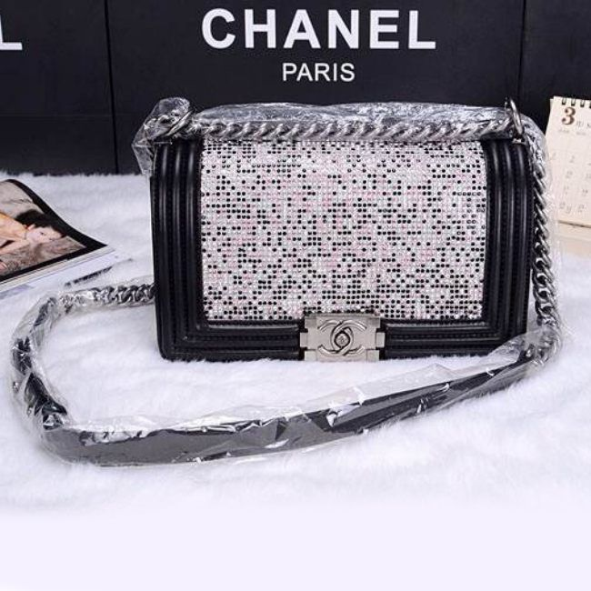 Сумка Chanel Le Boy Flap Shoulder Bag