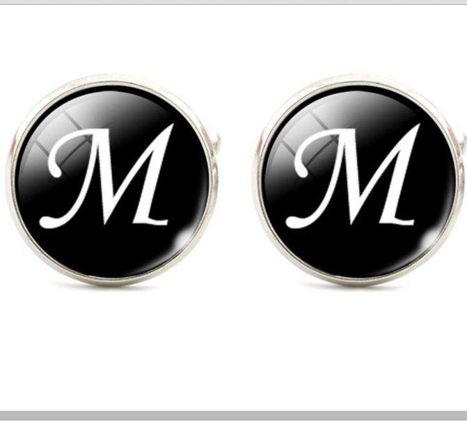 Запонки буква М