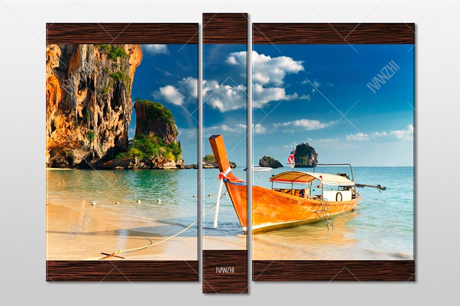 Таиландская длиннохвостая лодка у берега