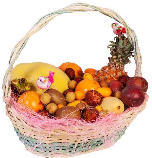 Корзина с фруктами для неё