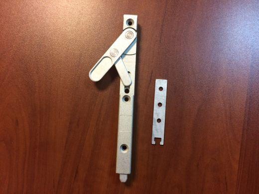Шпингалет дверной с фальцевым усилителем маятников (Аналог KFV -8032)
