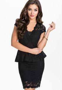 Великолепное кружевное черное платье
