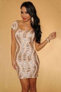Коктейльное платье, декорированное пайетками