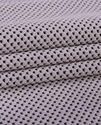 Трикотажное жаккардовое полотно Джерси средней плотности. Лицевая сторона матовая, мелкорельефная.