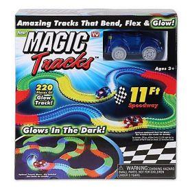 Гоночный трек Magic Tracks из 220 деталей!