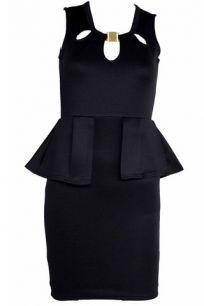 Черное платье облегающего фасона