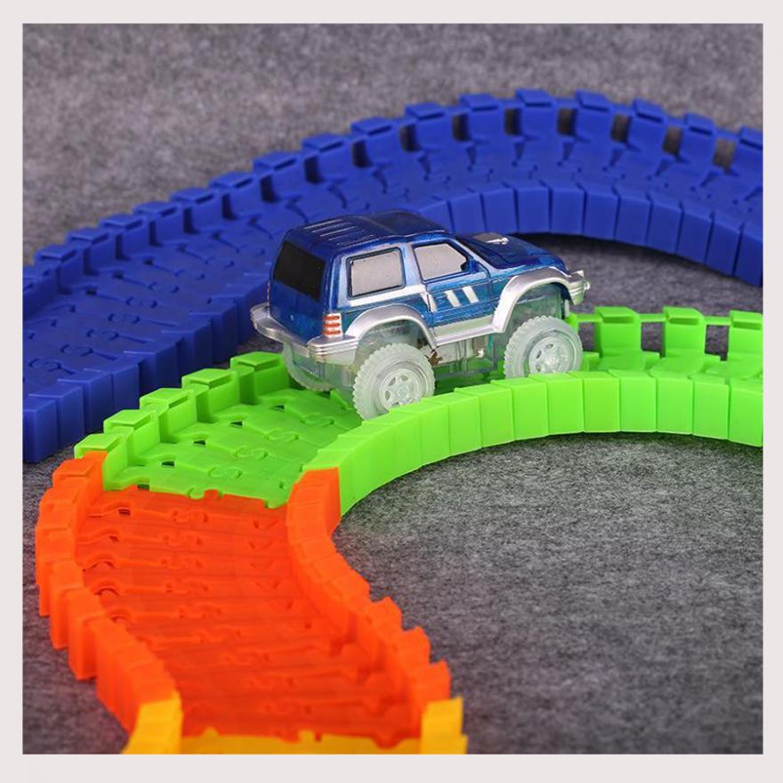 Машинка светящаяся для детского конструктора Magic Tracks