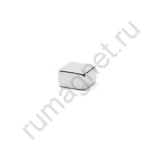 Неодимовый магнит прямоугольник 7x7х4,5 мм