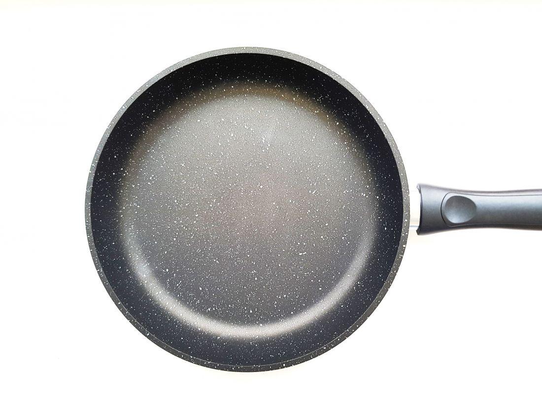 Сковорода 24 см. Для нанесения индивидуального логотипа.