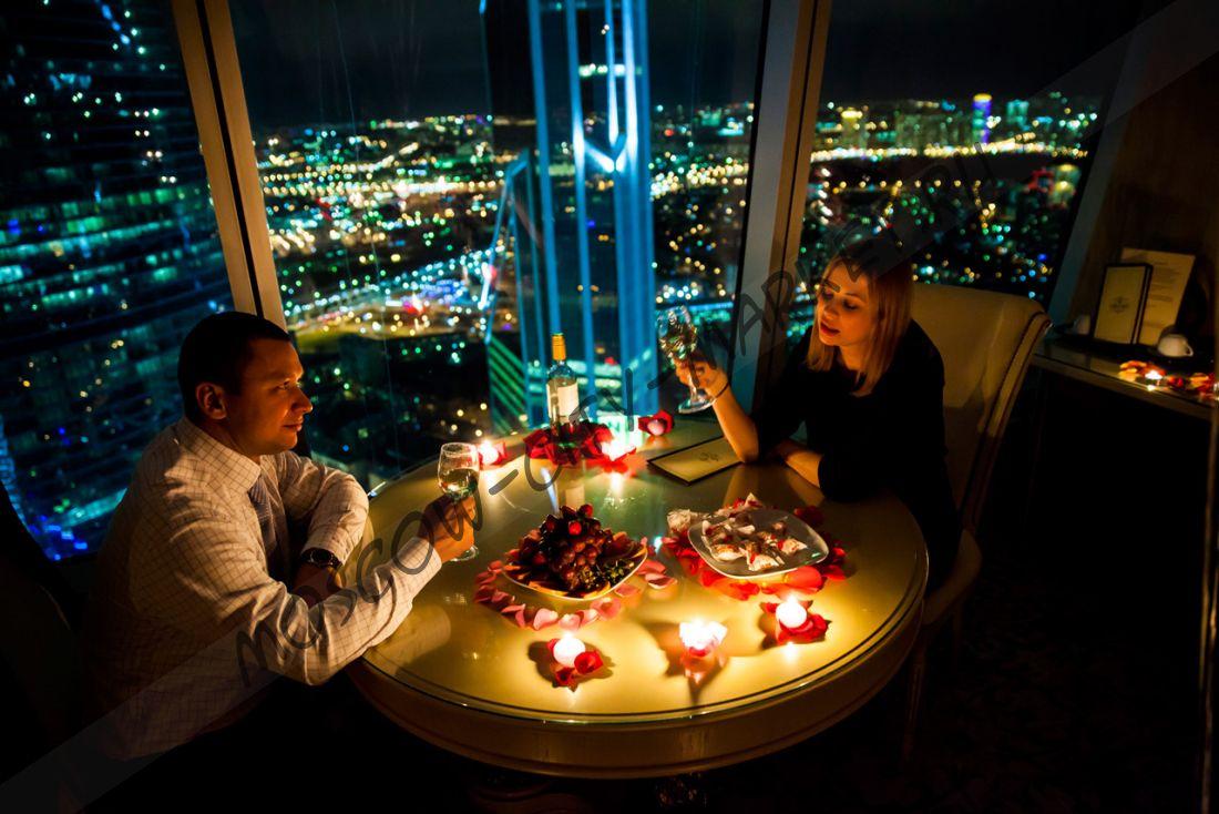 Романтическое свидание в люксовом апартаменте