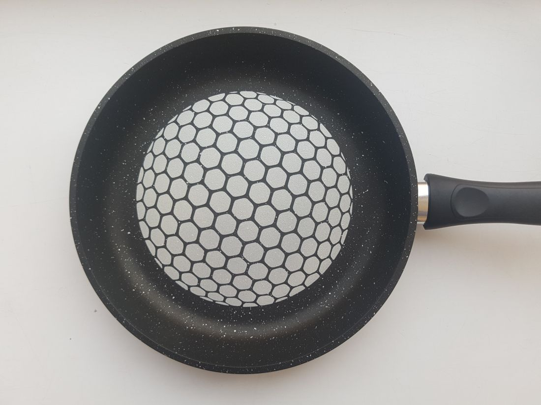Сковорода 24 см. соты