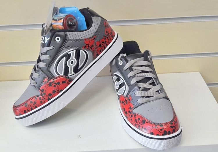 HEELYS MOTION PLUS red skulls