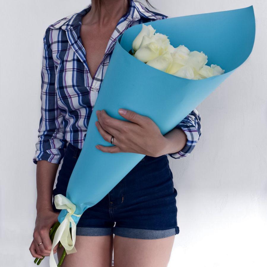 15 белых роз (60см)