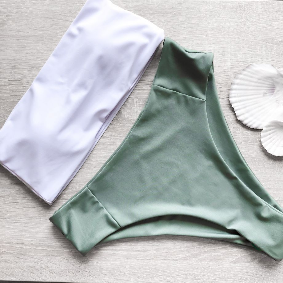 Купальник-бандо бело-зеленый с высокой посадкой