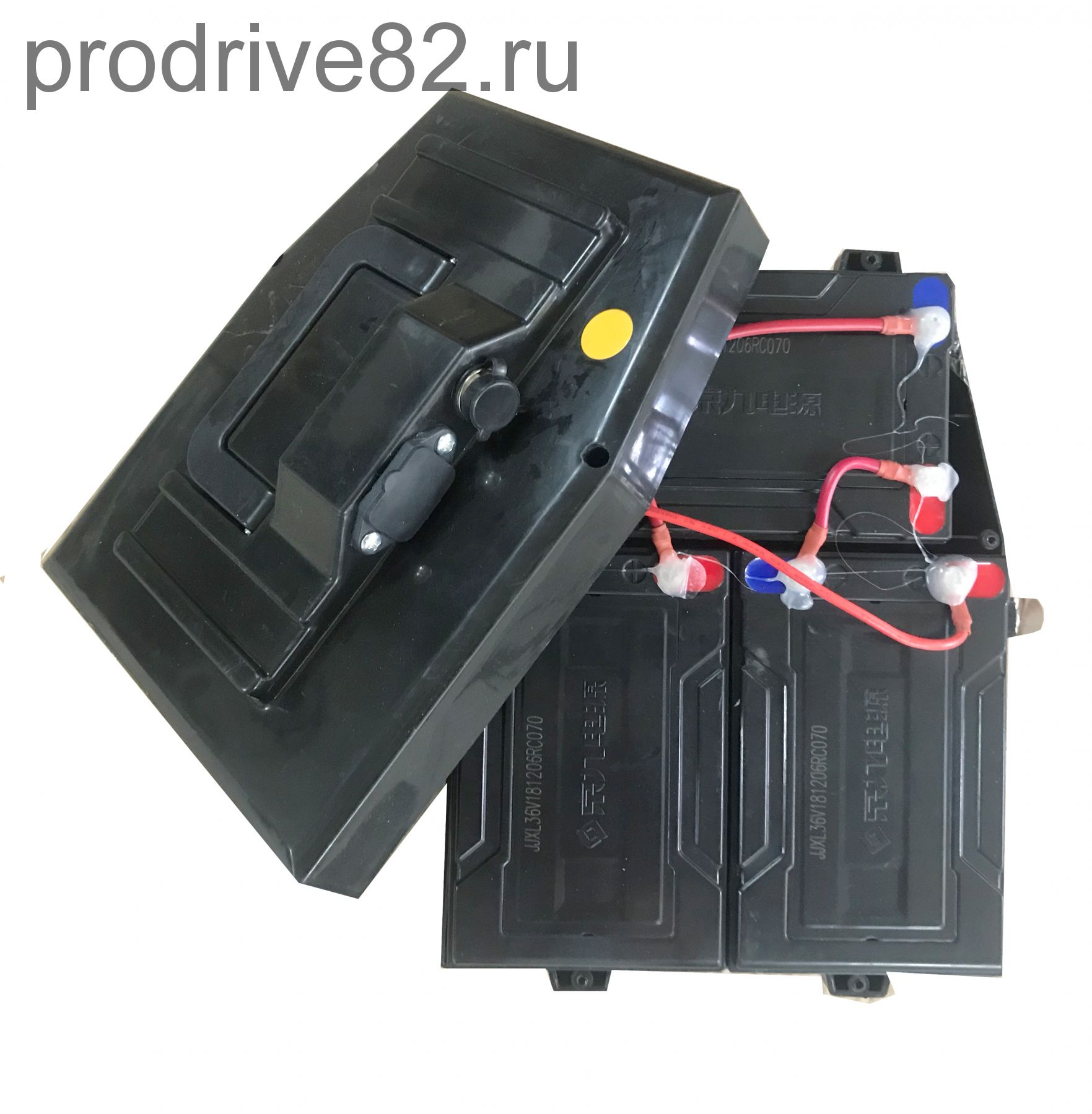 Комплект аккумуляторных батарей 3х12V12АН в боксе