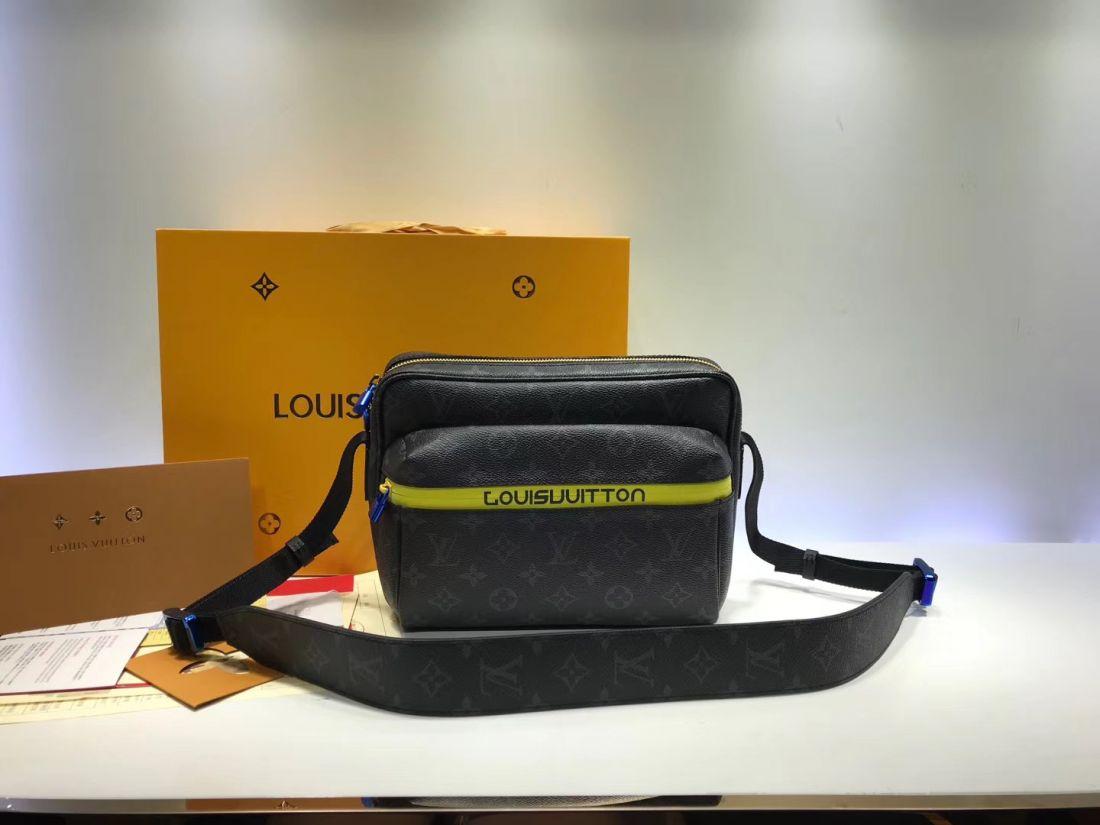 Сумка мессенджер Louis Vuitton Outdoor