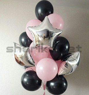 Композиция из черных, розовых и фольгированных серебряных звезд