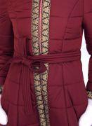пальто с поясом и с золотистой тесьмой