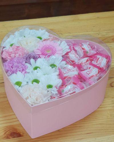 """Коробка цветов """"Лакомка"""""""