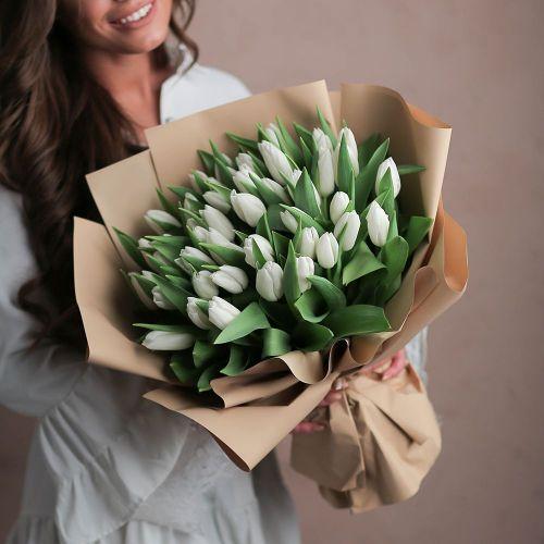 Букет цветов из 35 тюльпанов