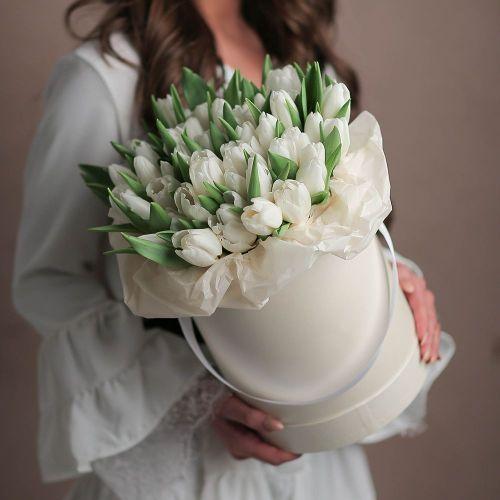 Коробка цветов из 51 тюльпана