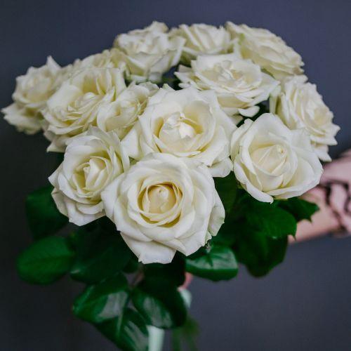 Букет цветов из 11 белых роз