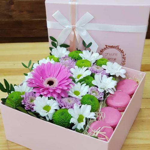 """Коробка цветов """"Зефирная нежность"""""""