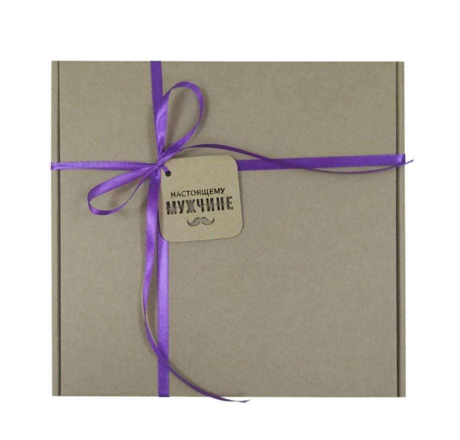 Коробка подарочная, коробка для подарка цвет крафт  220*220*60 мм с наполнителем тишью и атласной лентой.