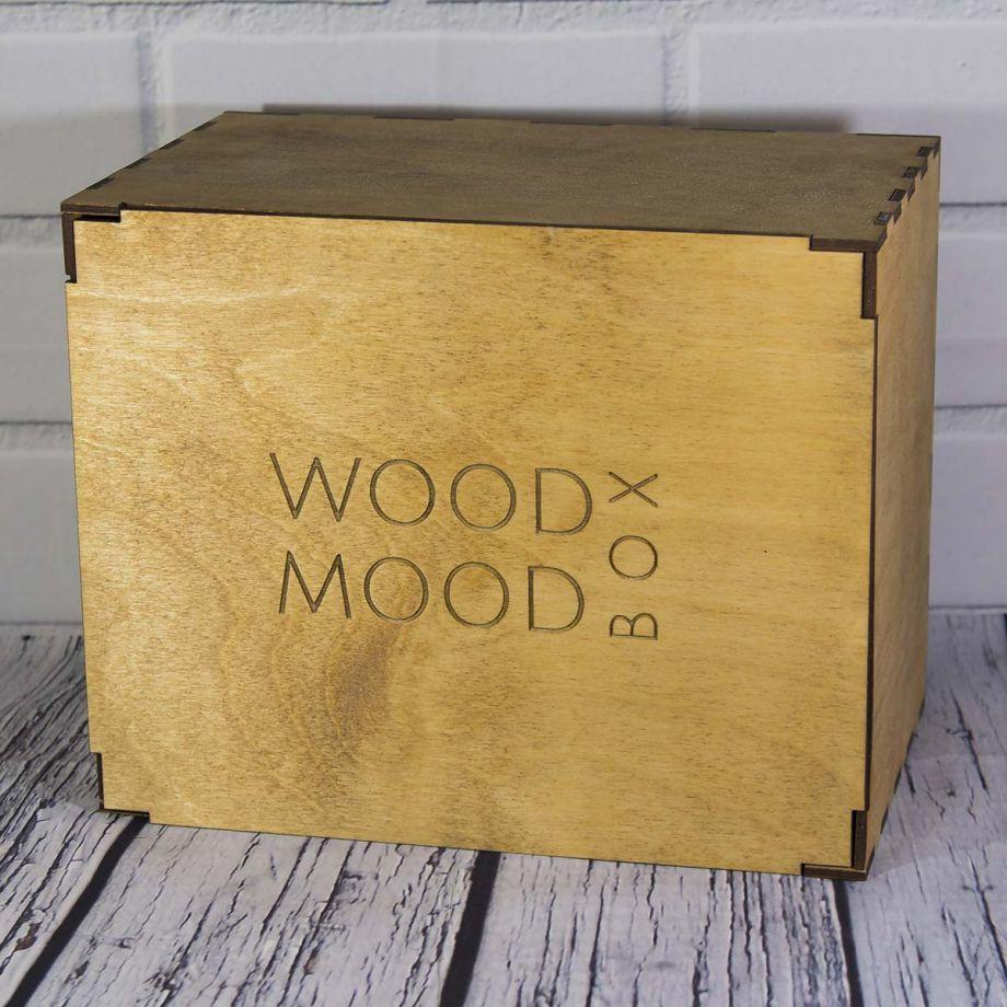 Коробка из дерева на заказ с тонированием