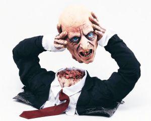 Голова Зомби оторванная в руках