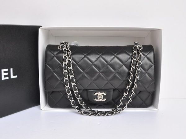 CHANEL Jumbo Flap Shoulder