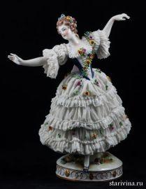 Дама в кружевном платье, Volkstedt, Германия, 1915-36 гг., артикул 00388