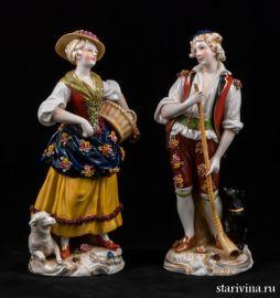 Жанровая пара, девушка с корзиной, юноша с рожком, Франция, кон.19 века