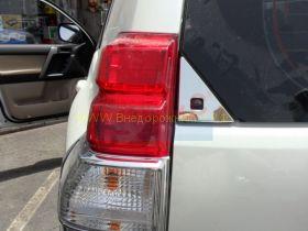 Хромированные накладки на заднию дверь (Уголки) для Toyota Land Cruiser Prado 150