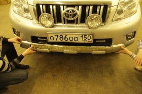 Аэродинамическая накладка на передний бампер для Toyota Land Cruiser Prado 150 2010