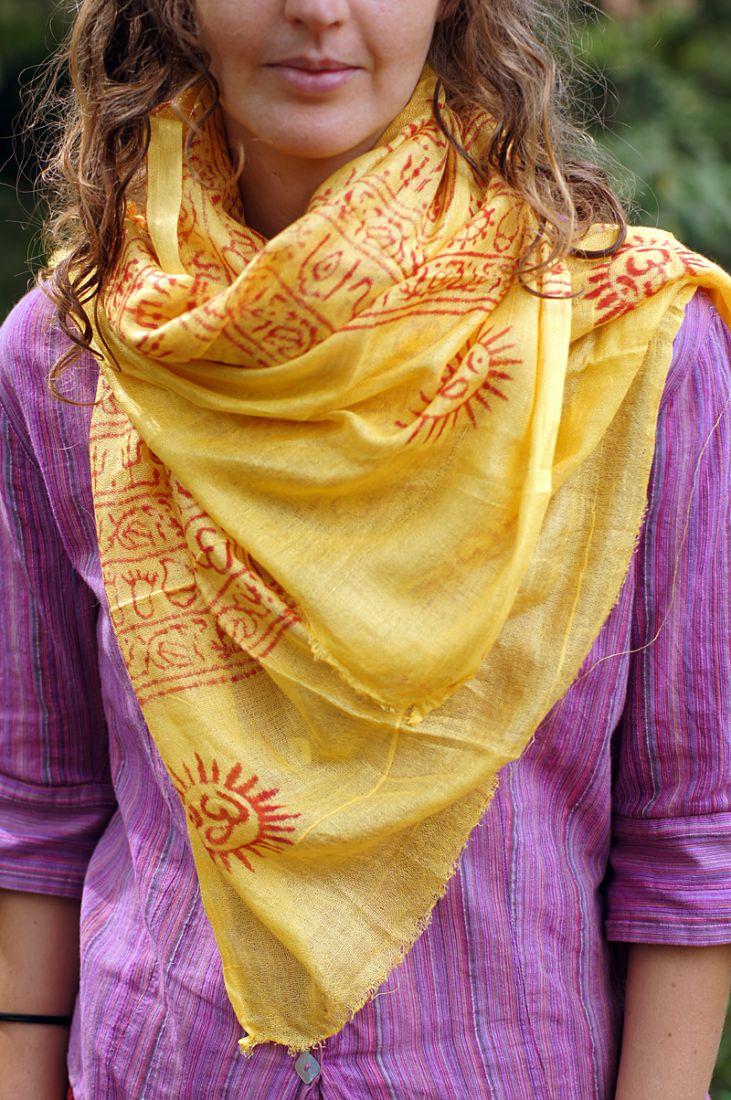 Яркий жёлтый индийский шарф из хлопка (СПб)