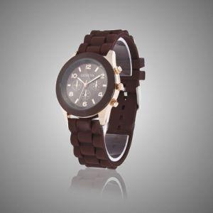 Женские наручные часы Geneva шоколадного цвета