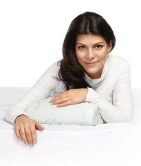 Ортопедическая подушка Trelax Respecta Compact с эффектом памяти для путешествий.