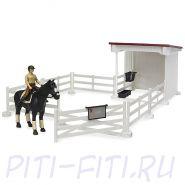 Bruder. Набор всадницы с загоном и стойлом, лошадью и всадницей, с аксессуарами