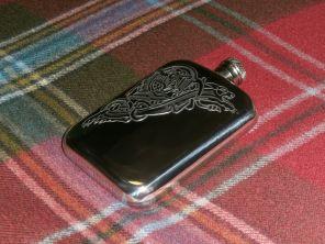 Фляжка из британского пьютера- Кельтский дракон- Вселенская власть Celtic Dragon , English Pewter