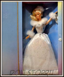 """Коллекционная кукла Барби """"Зимние отражения""""  из коллекции Avon  -  Winter's Reflection Barbie doll"""