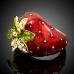 """Позолоченное кольцо """"Сочная клубничка"""" с эмалью и кристаллами Сваровски"""