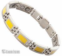 Титановый магнитный браслет с желтой эмалью